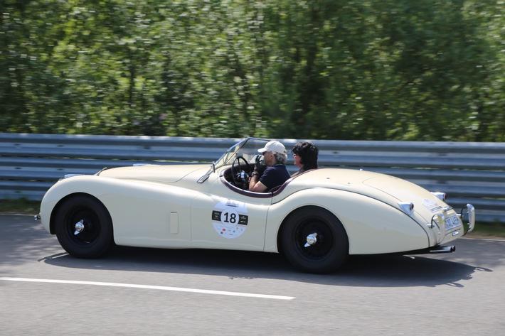 """IMG_4369 2. """"Classic Trophy"""" führt von Hamburg an den Ostseestrand / """"Exklusivität trifft Leidenschaft"""": Rund 80 automobile Klassiker am 19./20. Juni wieder im Norden unterwegs"""