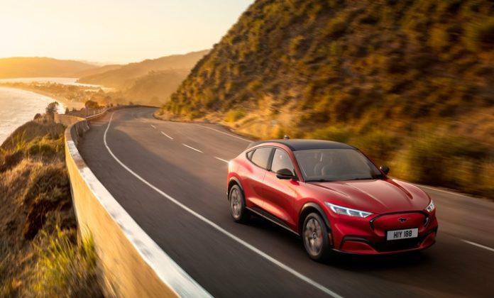 Neuer Ford Mustang Mach-E verbessert Genauigkeit von Reichweiten-Angaben mittels Cloud