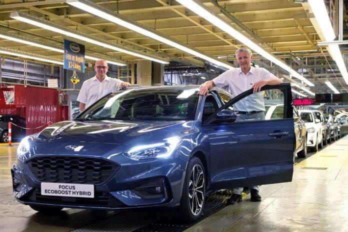Ford Focus EcoBoost Hybrid läuft vom Band