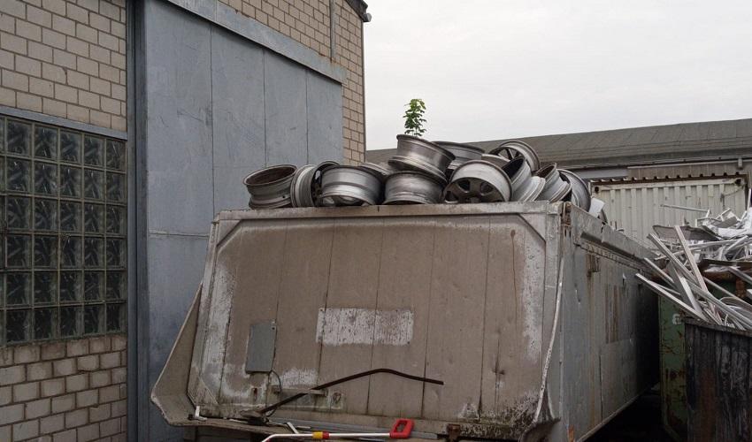 Altmetall-Recycling ist Wiederverwertung mit Schrottabholung Köln