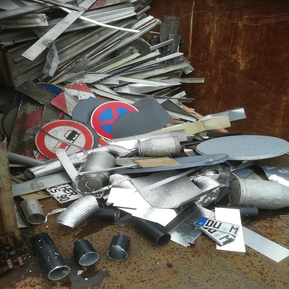 Schrottabholung und Schrottankauf Solingen – Abholung von Metall und Altmetall Spezialisiert