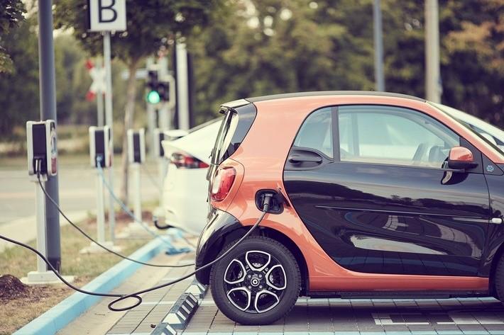 E-Mobilität Häcklingen und Bockelsberg - Elektro Burmester hat sich zum Platzhirsch entwickelt