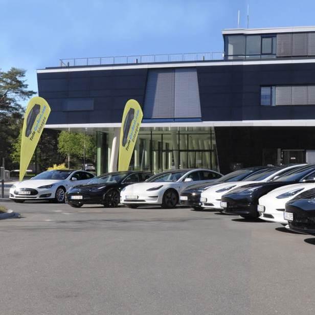 Tesla-Car-Rent hat sein Mietangebot erweitert