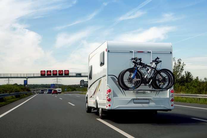 Verkehrskontrollen auf Autobahnen: So werden Gasflaschen im Wohnmobil oder Wohnwagen richtig transportiert